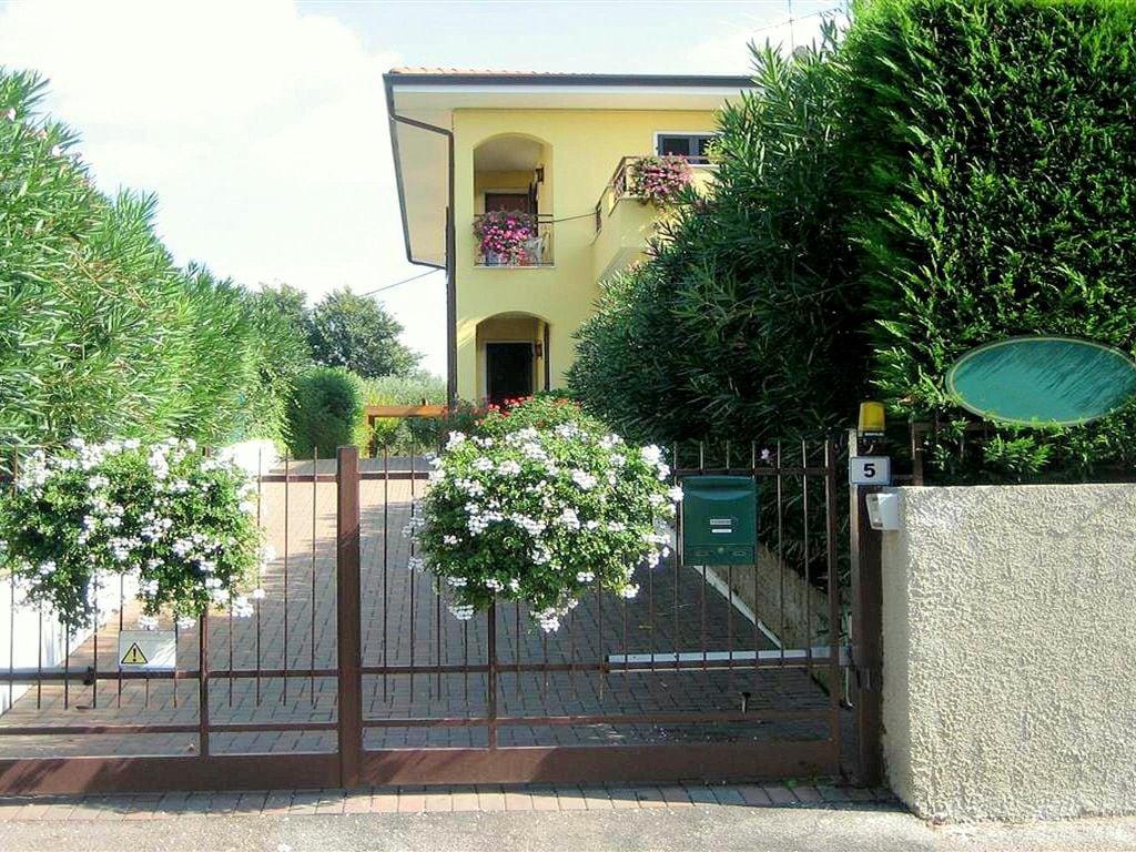 Ferienhaus Geräumiges Ferienhaus in Lazise mit Gemeinschaftspool (73574), Lazise, Gardasee, Venetien, Italien, Bild 4