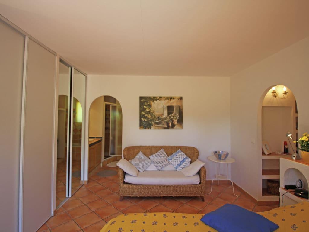 Ferienhaus Wunderschöne Villa in Bagnols-en-Forêt mit Swimmingpool (90035), Fréjus, Côte d'Azur, Provence - Alpen - Côte d'Azur, Frankreich, Bild 3