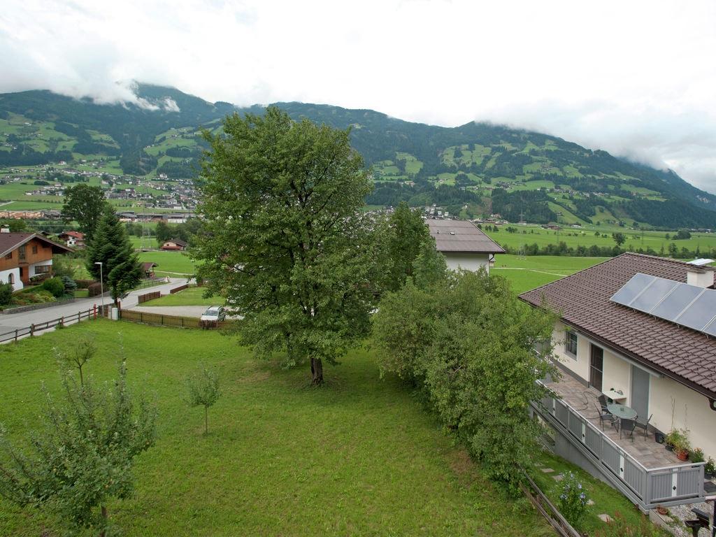 Ferienwohnung Geräumige Ferienwohnung mit Balkon in Hart im Zillertaler (253747), Hochfügen, Zillertal, Tirol, Österreich, Bild 24