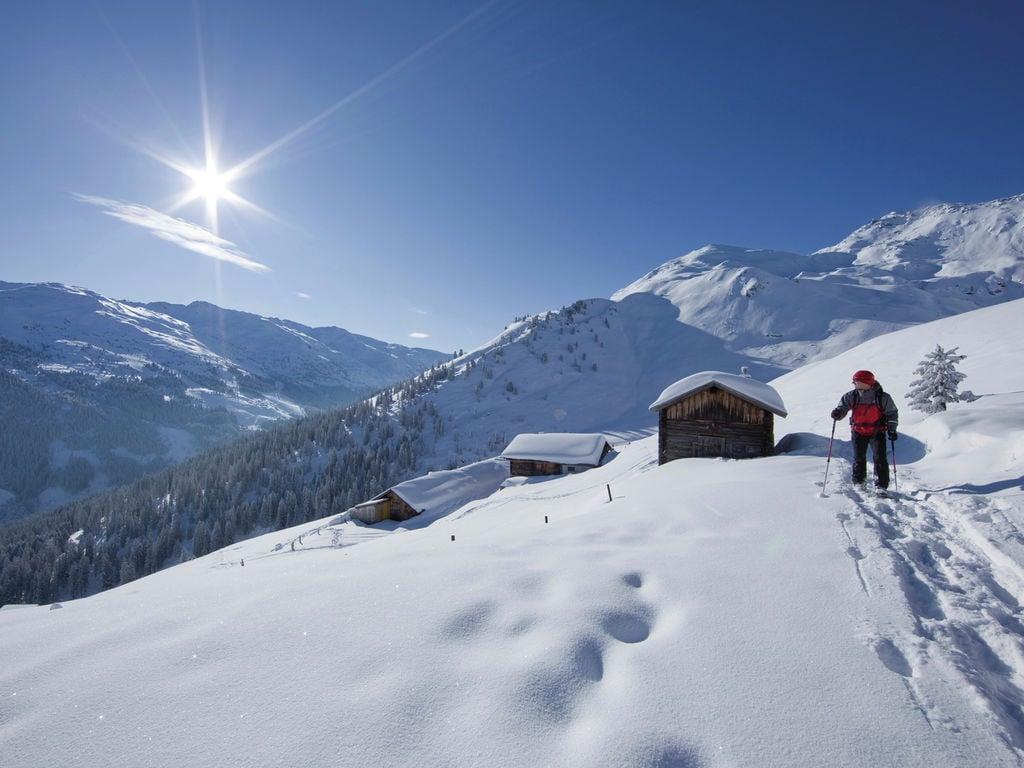 Ferienwohnung Geräumige Ferienwohnung mit Balkon in Hart im Zillertaler (253747), Hochfügen, Zillertal, Tirol, Österreich, Bild 16