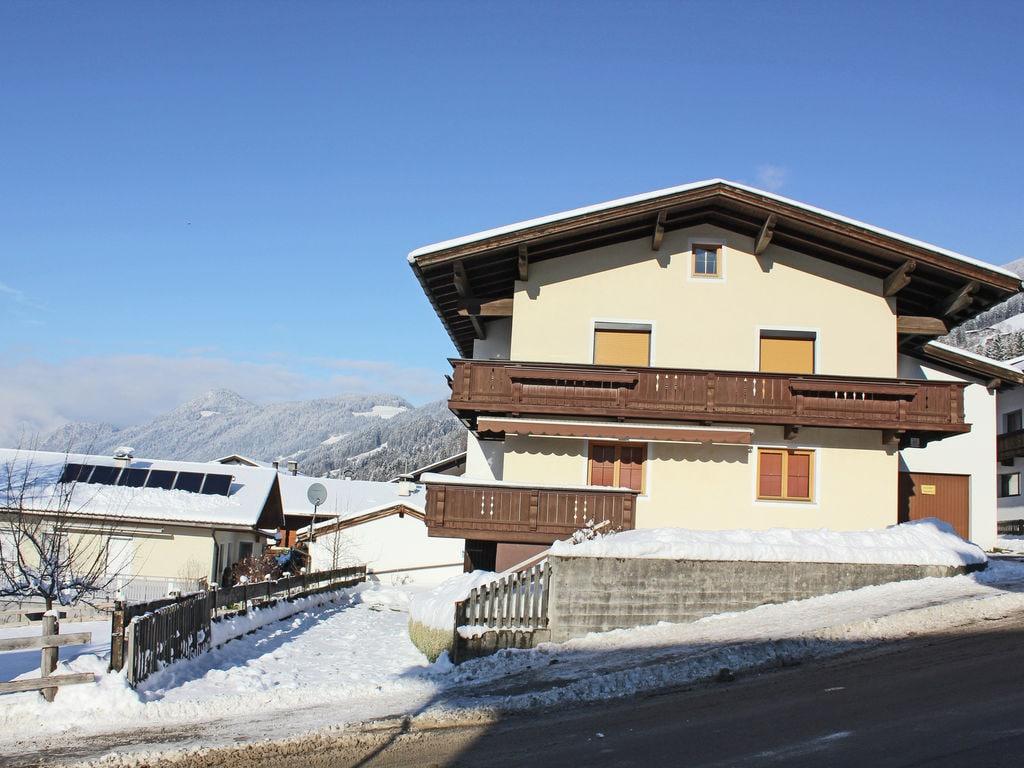 Ferienwohnung Geräumige Ferienwohnung mit Balkon in Hart im Zillertaler (253747), Hochfügen, Zillertal, Tirol, Österreich, Bild 3