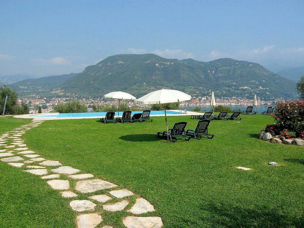 Ferienhaus Luxuriöses Ferienhaus mit Swimmingpool in Salò (178067), Salò, Gardasee, Lombardei, Italien, Bild 13