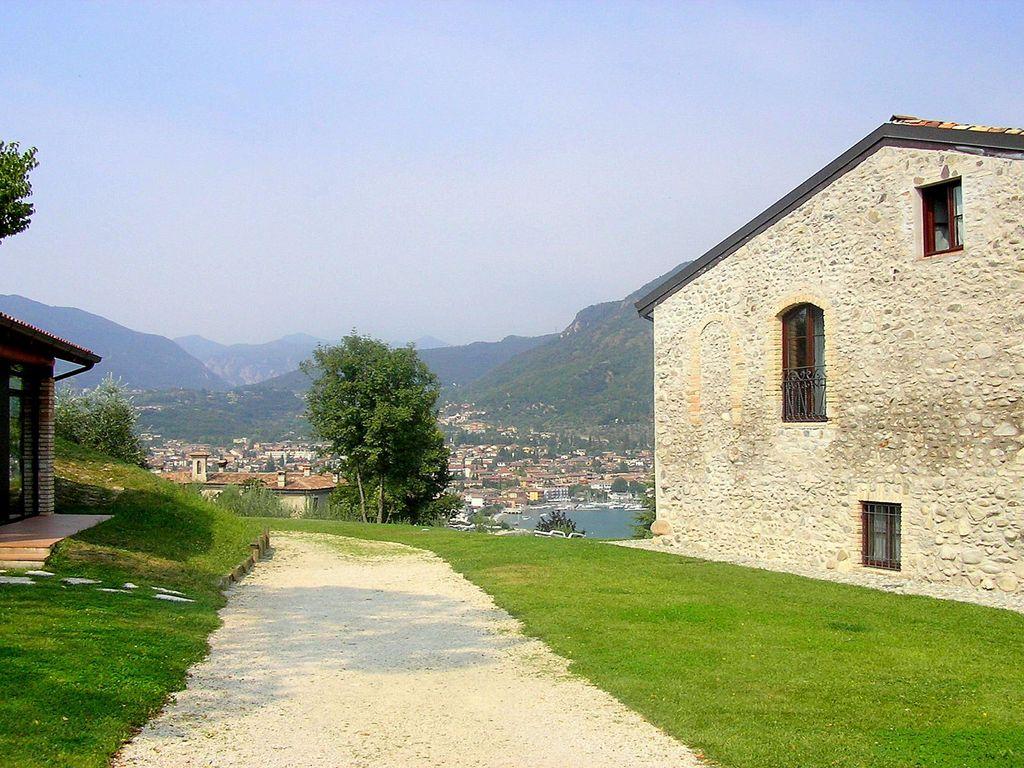 Ferienhaus Luxuriöses Ferienhaus mit Swimmingpool in Salò (178067), Salò, Gardasee, Lombardei, Italien, Bild 15