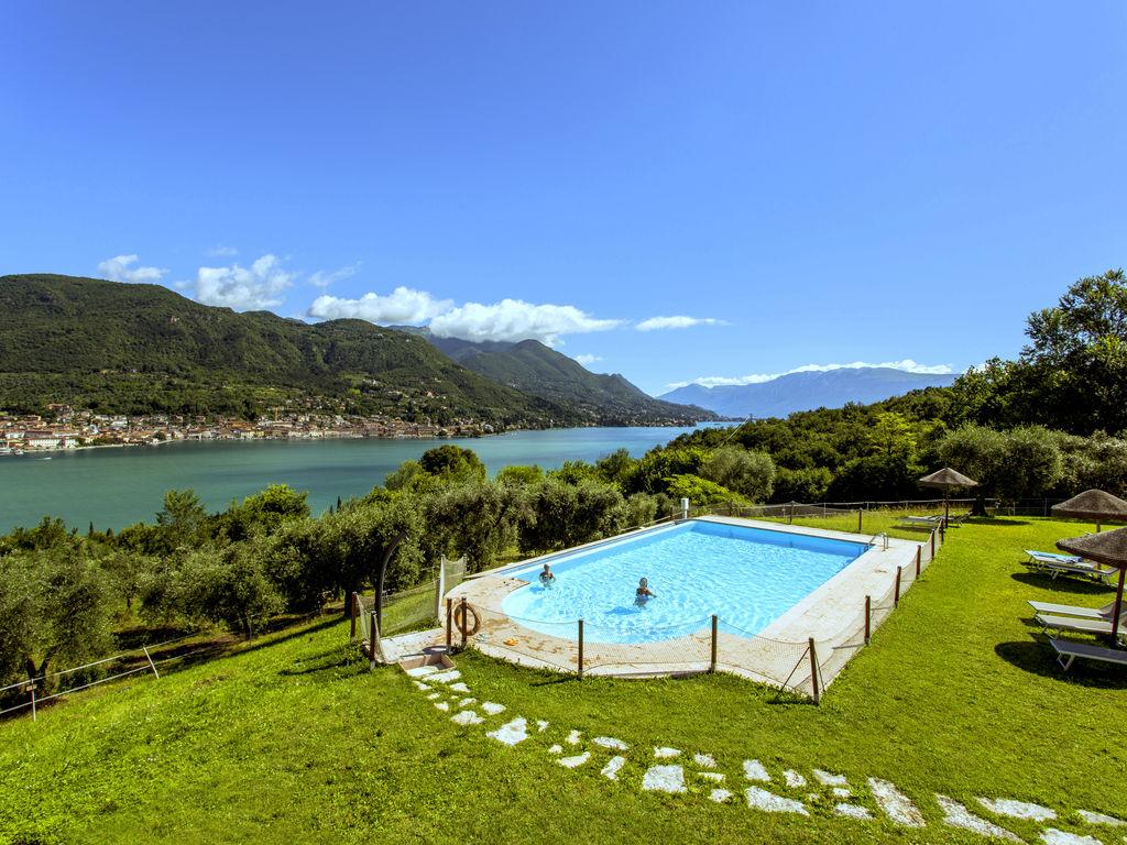 Ferienhaus Luxuriöses Ferienhaus mit Swimmingpool in Salò (178067), Salò, Gardasee, Lombardei, Italien, Bild 2