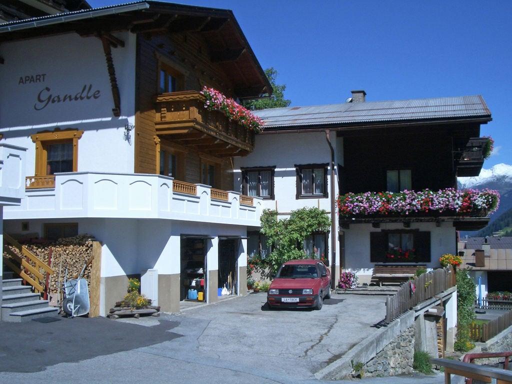 Ferienhaus Gemütliches Ferienhaus in Kappl nahe dem Stadtzentrum (253999), Kappl, Paznaun - Ischgl, Tirol, Österreich, Bild 2