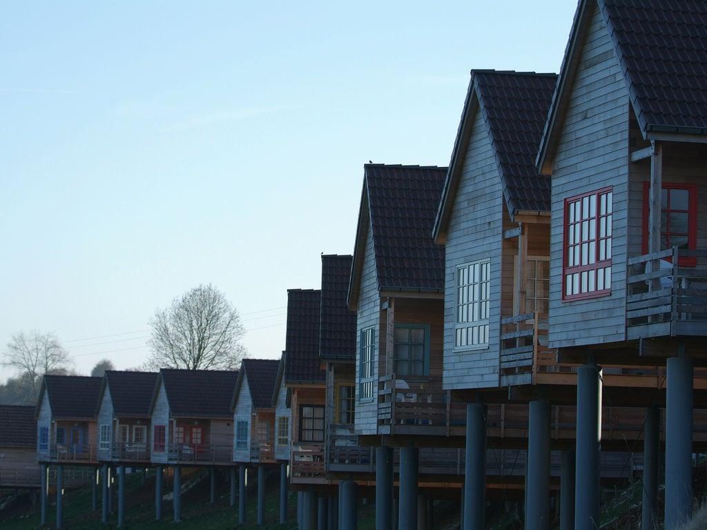 Ferienhaus Authentisches Holz-Ferienhaus in ruhiger grüner Umgebung (256245), Buigny St Maclou, Somme, Picardie, Frankreich, Bild 4