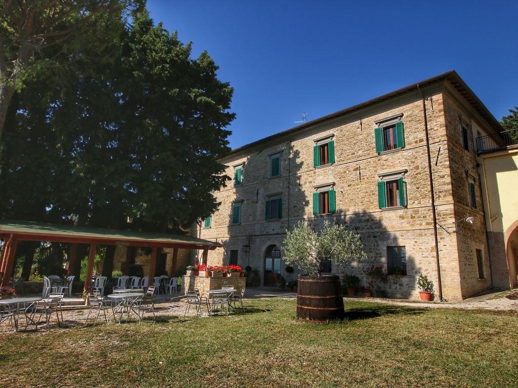 Ferienhaus Geräumiges Bauernhaus in Gualdo Cattaneo mit Whirlpool (134361), Gualdo Cattaneo, Perugia, Umbrien, Italien, Bild 2