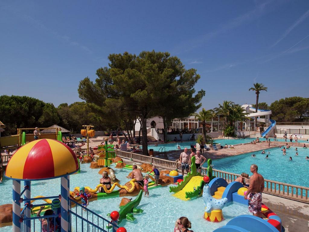 Ferienwohnung Gepflegtes Mobilheim mit Kombi-Mikrowelle, Strand in 5 km. (256266), Fréjus, Côte d'Azur, Provence - Alpen - Côte d'Azur, Frankreich, Bild 11