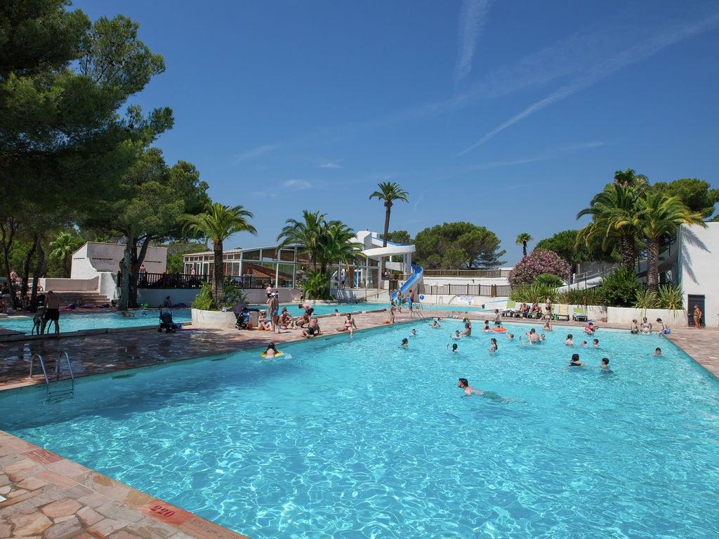 Ferienwohnung Gepflegtes Mobilheim mit Kombi-Mikrowelle, Strand in 5 km. (256266), Fréjus, Côte d'Azur, Provence - Alpen - Côte d'Azur, Frankreich, Bild 18