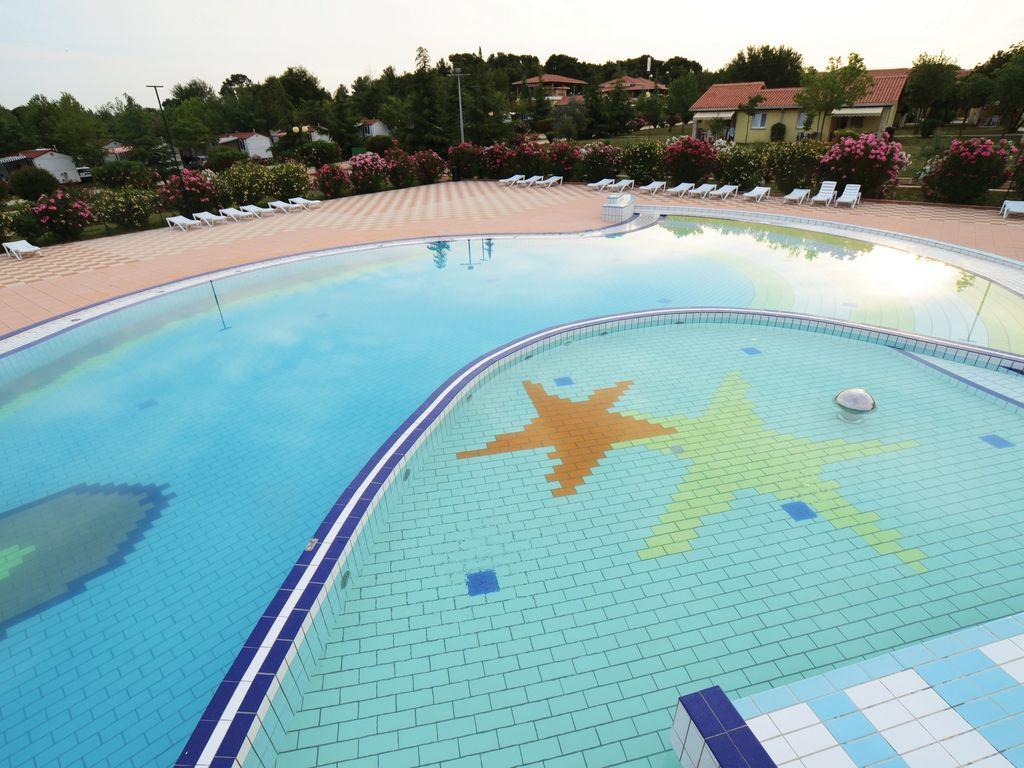 Ferienhaus Sorgfältig möblierter Bungalow mit 2 Bädern, 7 km von Pula (256428), Fažana, , Istrien, Kroatien, Bild 2