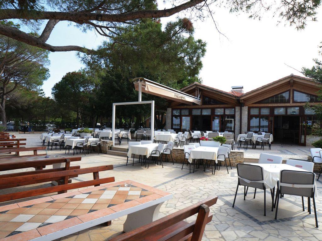 Ferienhaus Sorgfältig möblierter Bungalow mit 2 Bädern, 7 km von Pula (256428), Fažana, , Istrien, Kroatien, Bild 14