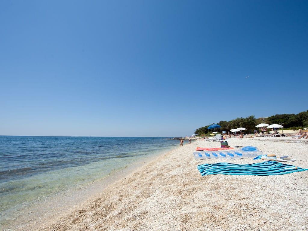 Ferienhaus Komfortables Ferienhaus mit Mikrowelle, 5 km von Rovinj (256425), Rovinj, , Istrien, Kroatien, Bild 11