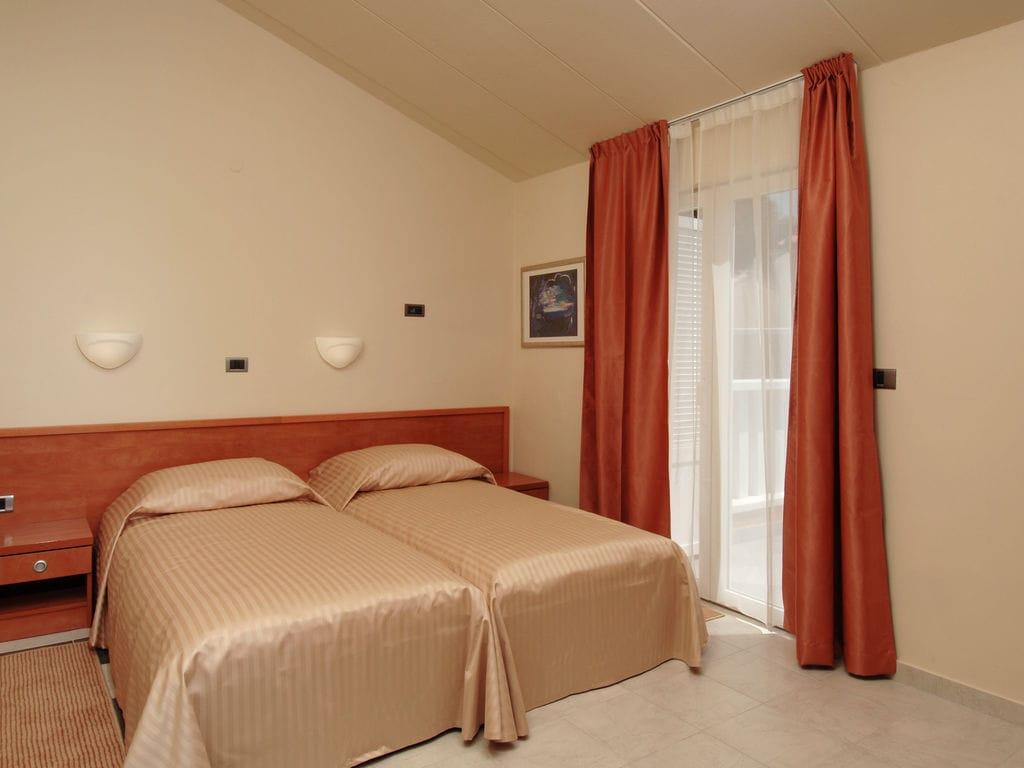 Ferienhaus Komfortables Ferienhaus mit Mikrowelle, 5 km von Rovinj (256425), Rovinj, , Istrien, Kroatien, Bild 2