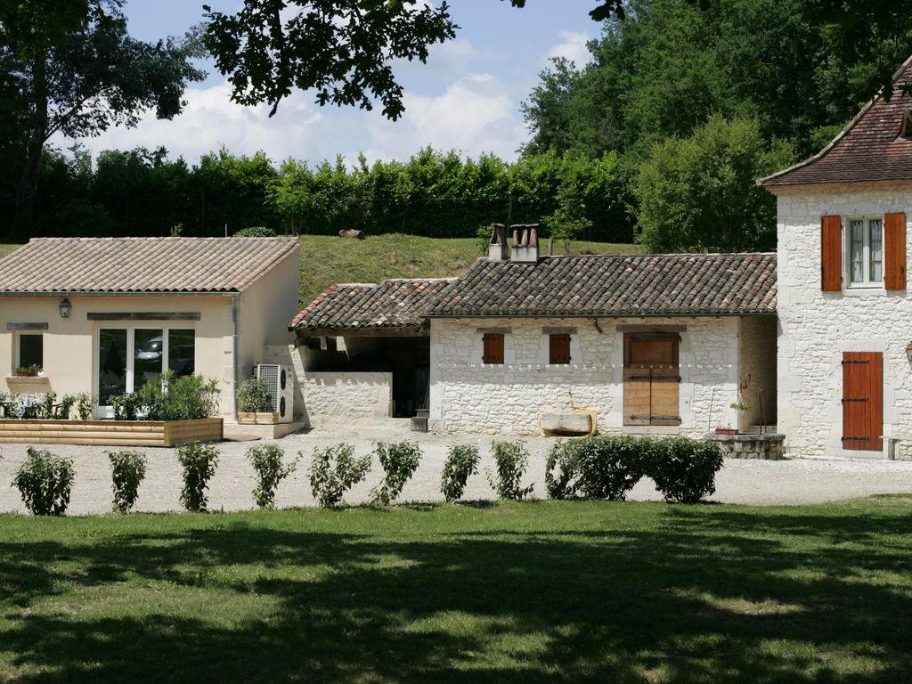 Maison de vacances Komfortables Chalet inmitten von Weinbergen in Dordogne (159963), Pineuilh, Gironde, Aquitaine, France, image 5