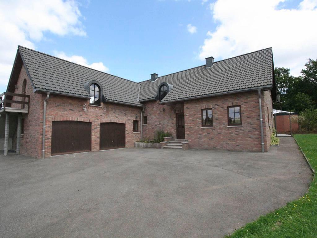 Ferienhaus Schönes Ferienhaus mit privatem Swimmingpool in Waimes (164331), Waimes, Lüttich, Wallonien, Belgien, Bild 2