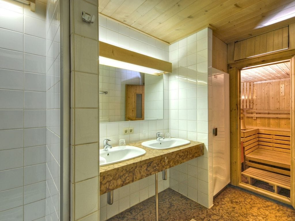 Ferienwohnung Luxus-Ferienwohnung mit Sauna und Whirlpool in Matrei, Tirol (164847), Matrei in Osttirol, Osttirol, Tirol, Österreich, Bild 14