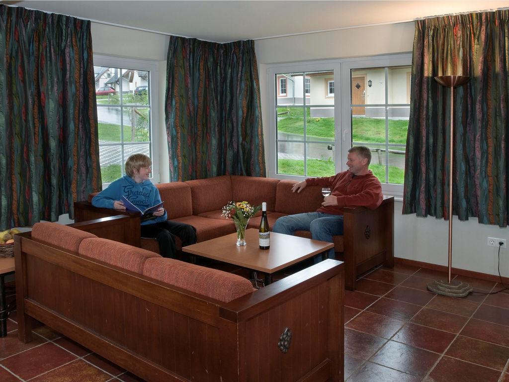 Ferienhaus Schöne Villa mit Waschmaschine, nahe der Mosel (255243), Cochem, Mosel, Lothringen, Deutschland, Bild 2