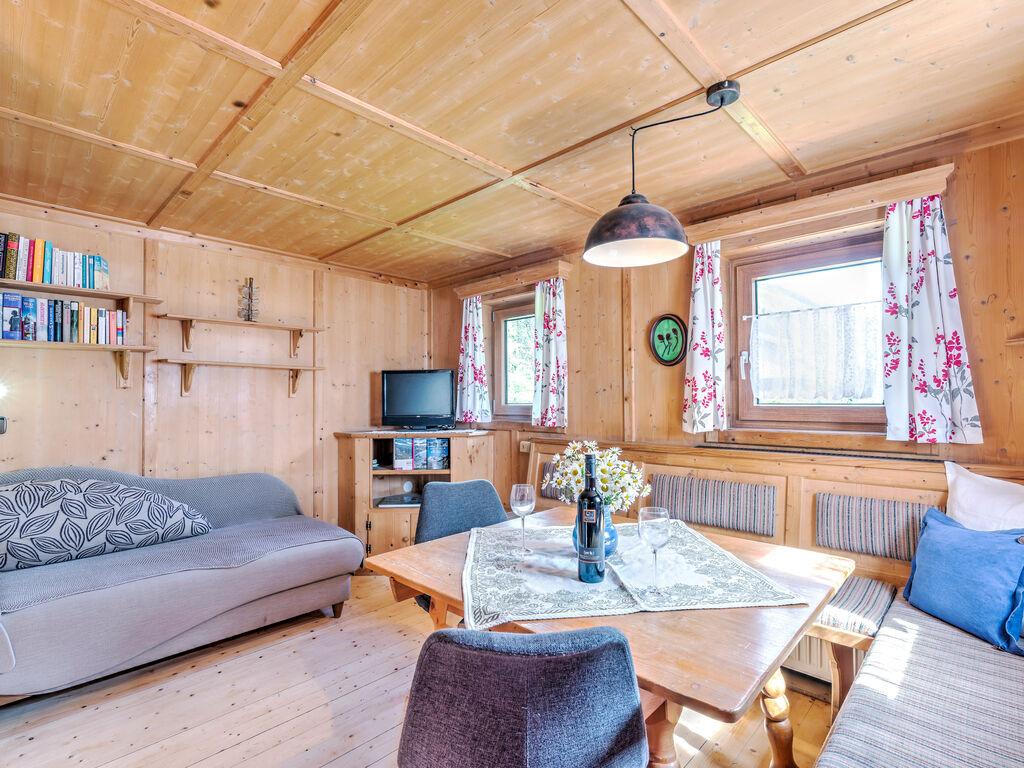 Ferienhaus Tirol: Einladende Ferienwohnung mit Garten in Skigebietnähe (254233), Matrei in Osttirol, Osttirol, Tirol, Österreich, Bild 2