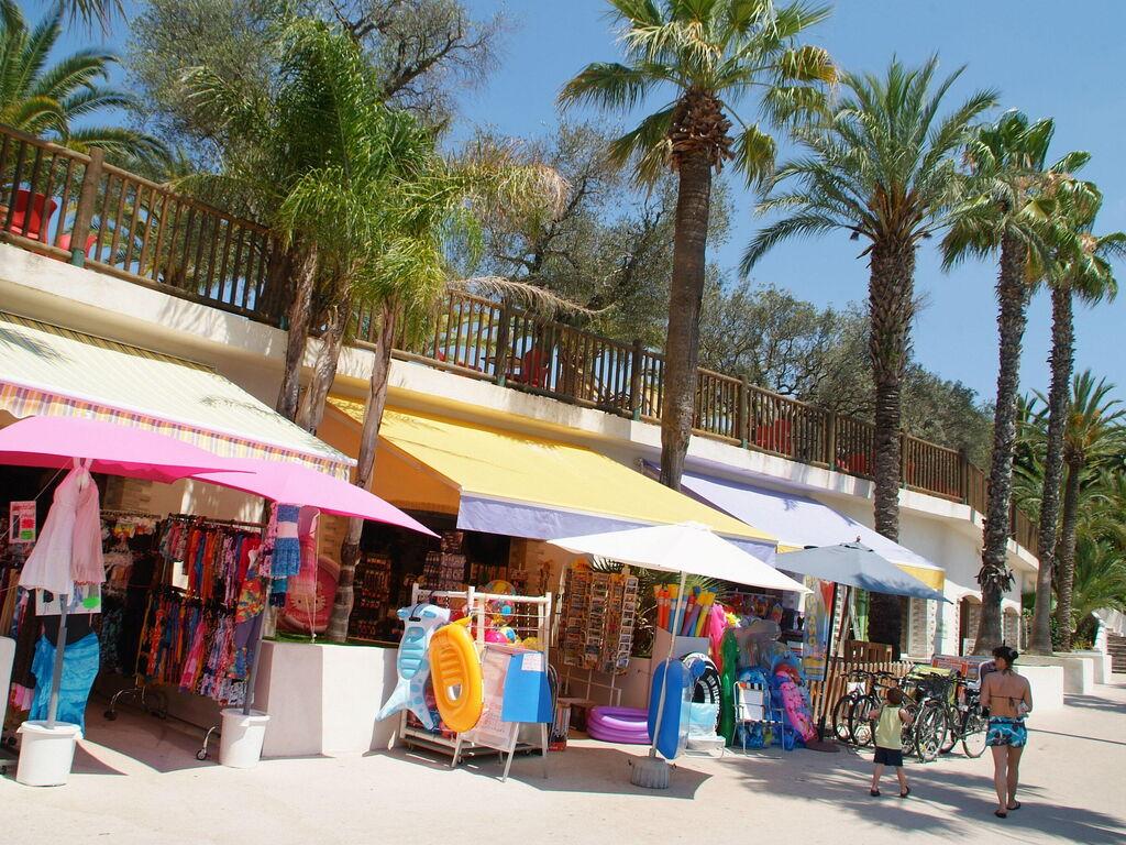 Ferienhaus Gepflegter Bungalow mit Kombi-Mikrowelle, Strand in 5 km. (256264), Fréjus, Côte d'Azur, Provence - Alpen - Côte d'Azur, Frankreich, Bild 28