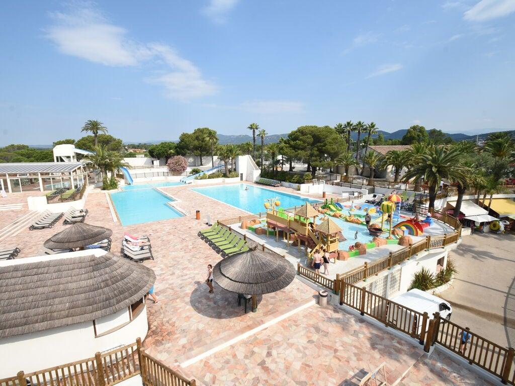 Ferienhaus Gepflegter Bungalow mit Kombi-Mikrowelle, Strand in 5 km. (256264), Fréjus, Côte d'Azur, Provence - Alpen - Côte d'Azur, Frankreich, Bild 5