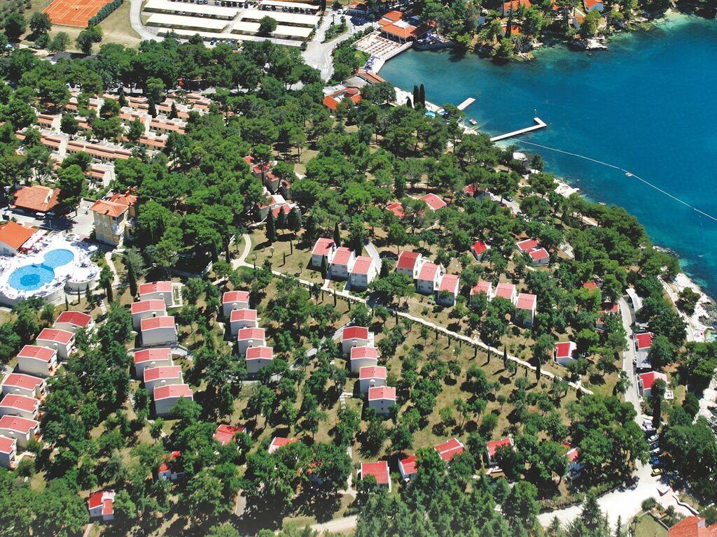 Ferienwohnung Luxuriöses Apartment mit Mikrowelle, 2,5 km vom hist. Porec (256430), Porec, , Istrien, Kroatien, Bild 2