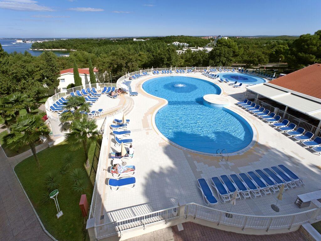 Ferienwohnung Luxuriöses Apartment mit Mikrowelle, 2,5 km vom hist. Porec (256430), Porec, , Istrien, Kroatien, Bild 3