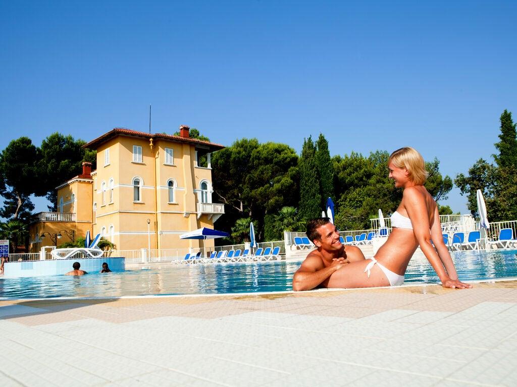 Ferienwohnung Luxuriöses Apartment mit Mikrowelle, 2,5 km vom hist. Porec (256430), Porec, , Istrien, Kroatien, Bild 5