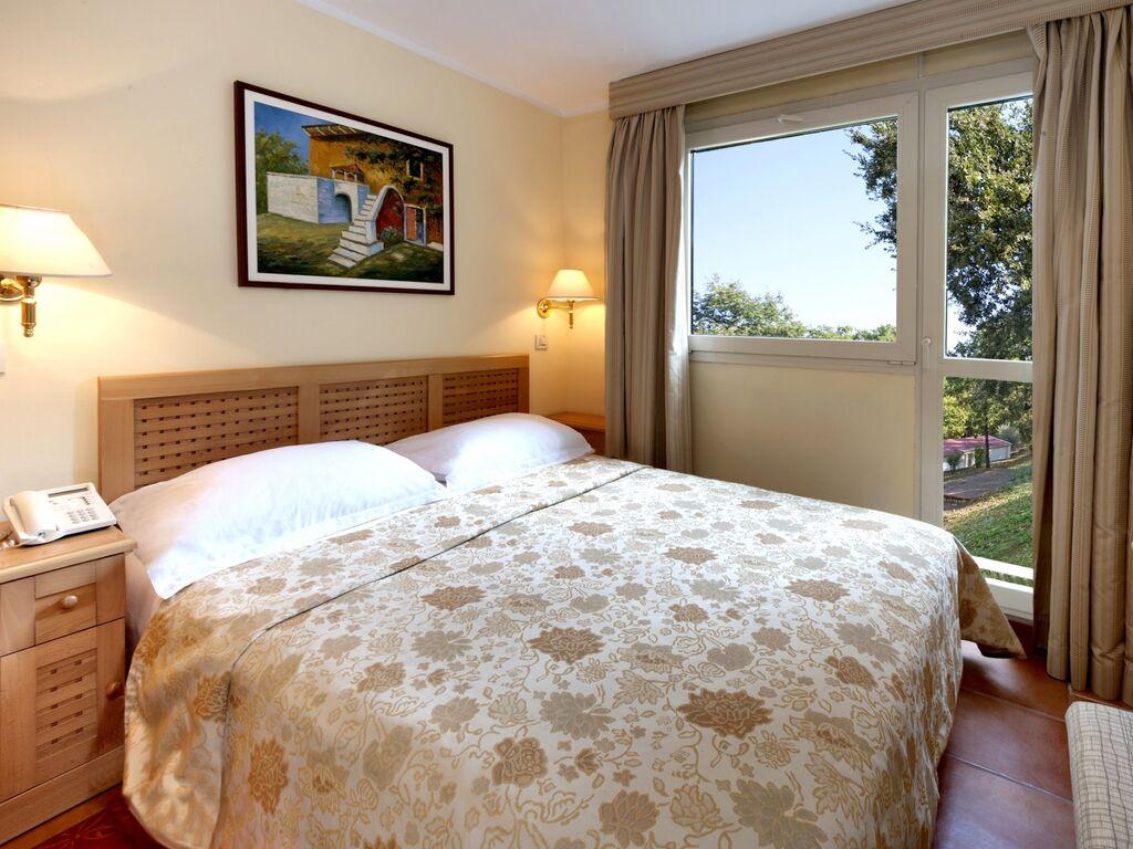 Ferienwohnung Luxuriöses Apartment mit Mikrowelle, 2,5 km vom hist. Porec (256430), Porec, , Istrien, Kroatien, Bild 11