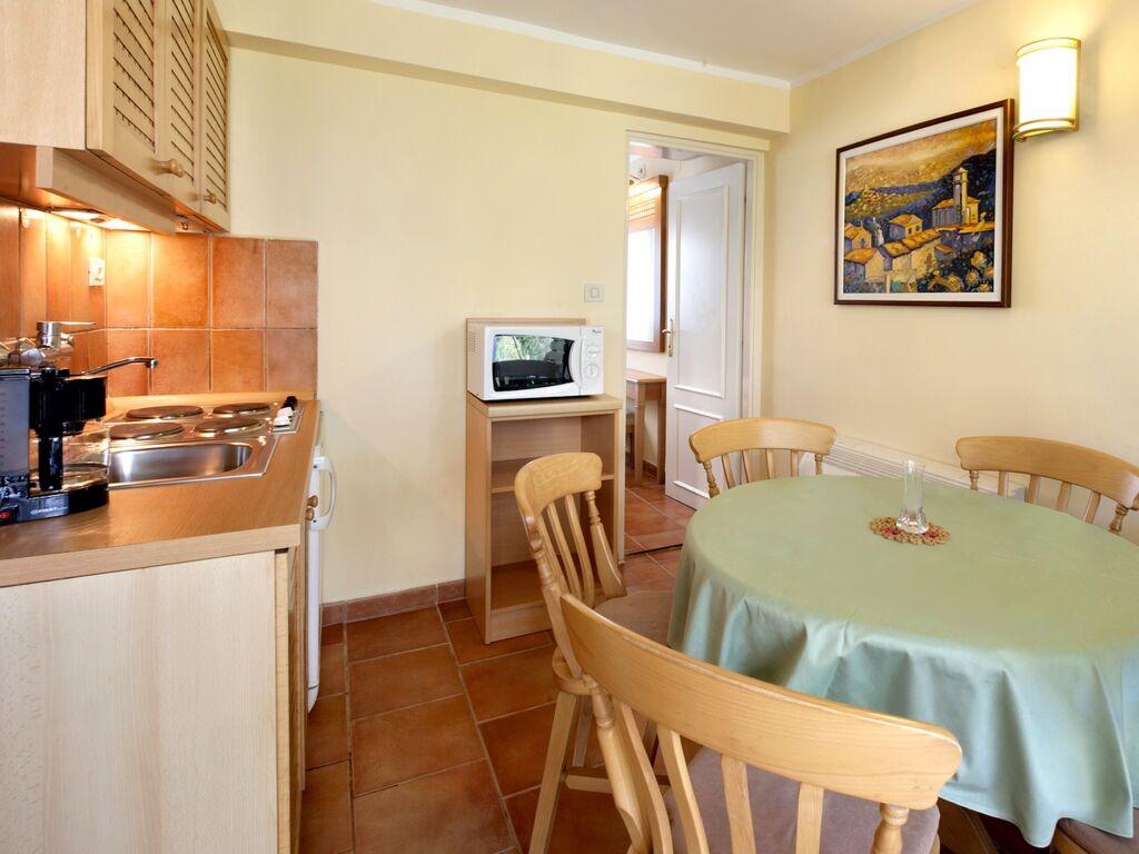 Ferienwohnung Luxuriöses Apartment mit Mikrowelle, 2,5 km vom hist. Porec (256430), Porec, , Istrien, Kroatien, Bild 9