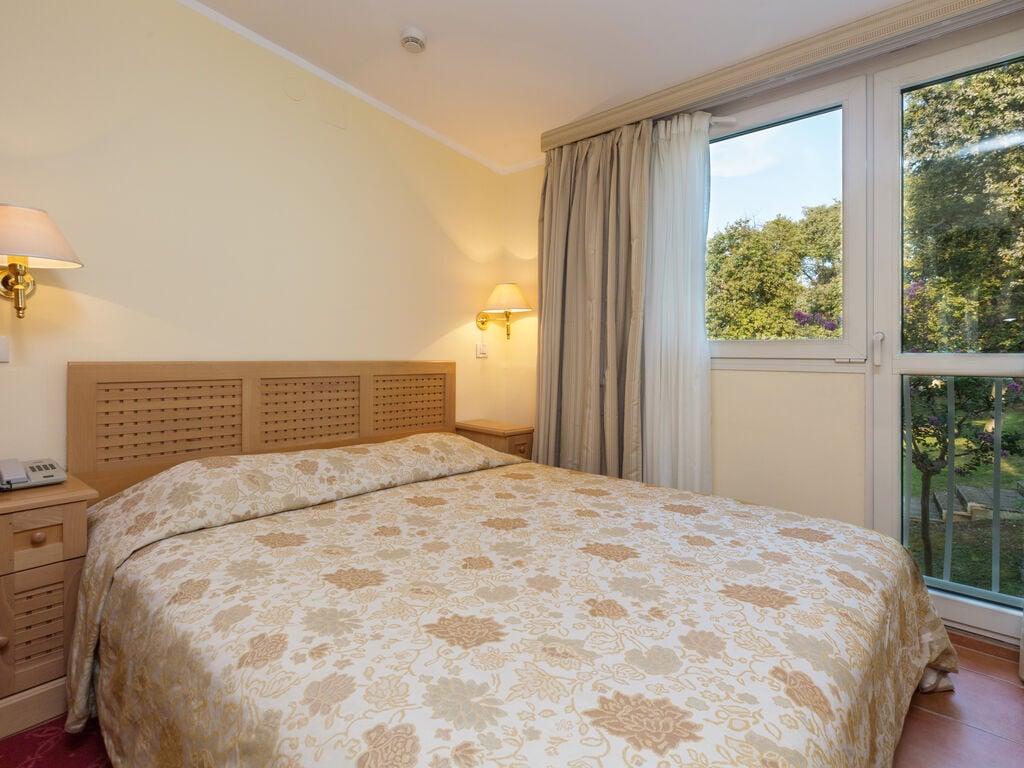 Ferienwohnung Luxuriöses Apartment mit Mikrowelle, 2,5 km vom hist. Porec (256430), Porec, , Istrien, Kroatien, Bild 12