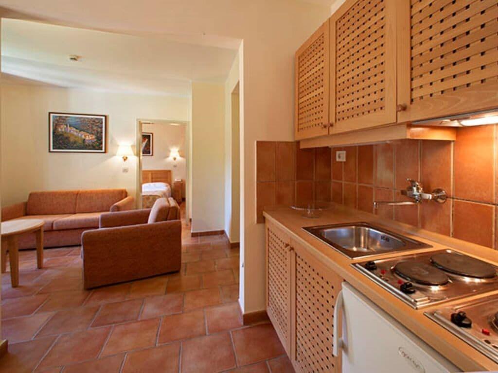 Ferienwohnung Luxuriöses Apartment mit Mikrowelle, 2,5 km vom hist. Porec (256430), Porec, , Istrien, Kroatien, Bild 7