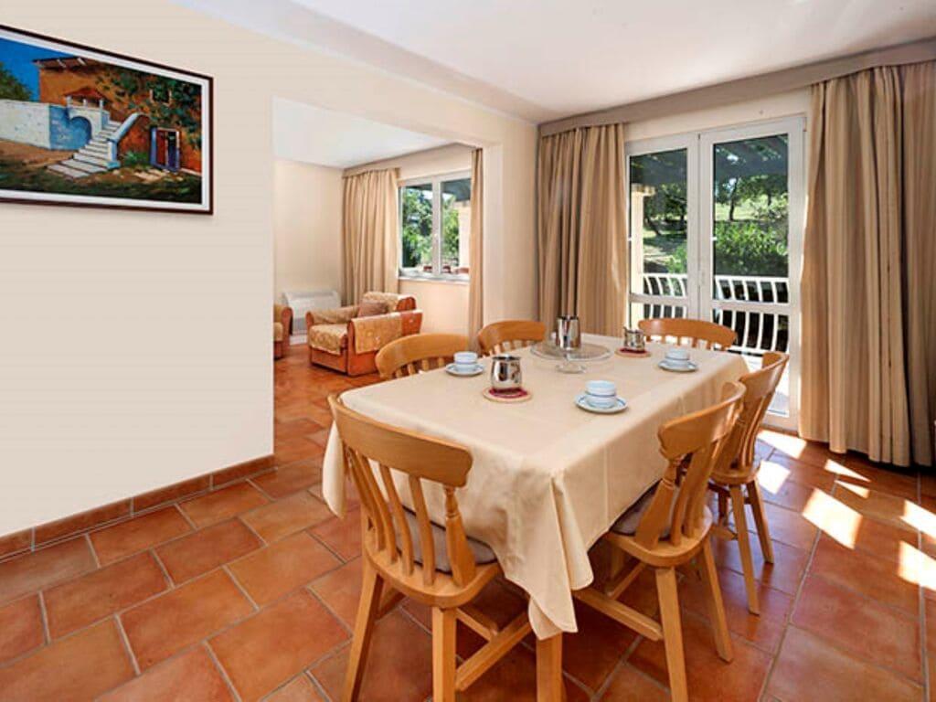 Ferienwohnung Luxuriöses Apartment mit Mikrowelle, 2,5 km vom hist. Porec (256430), Porec, , Istrien, Kroatien, Bild 6