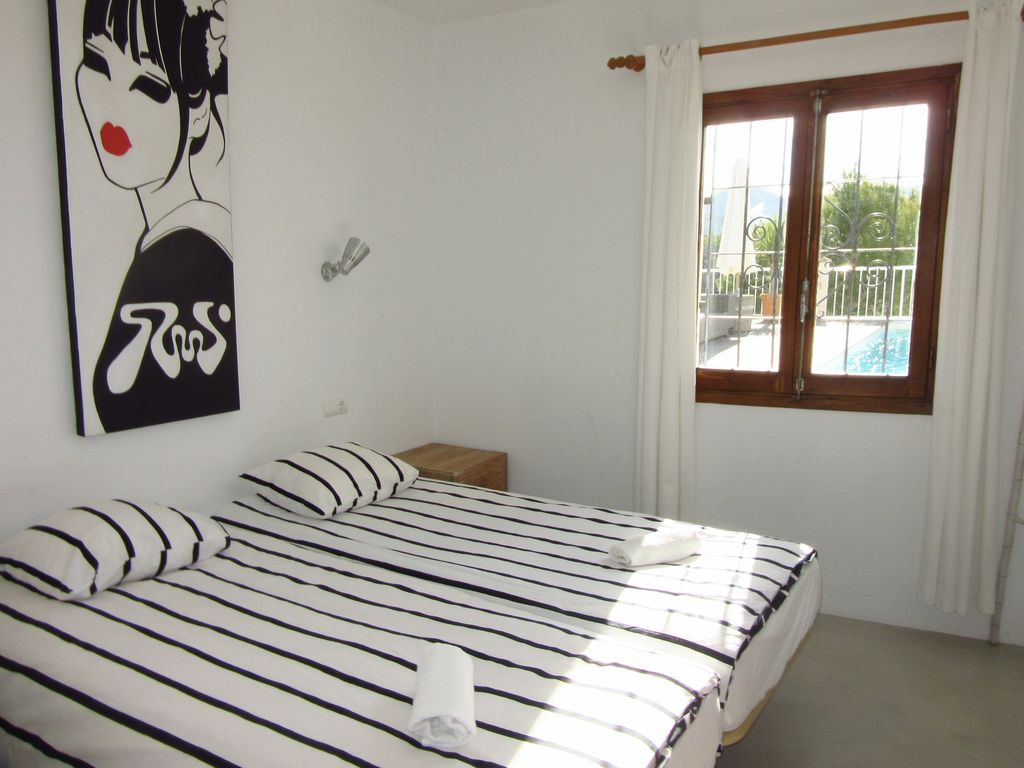 Ferienhaus Wunderschöne Villa in Cala Tarida mit Swimmingpool (562884), Cala Bassa, Ibiza, Balearische Inseln, Spanien, Bild 19