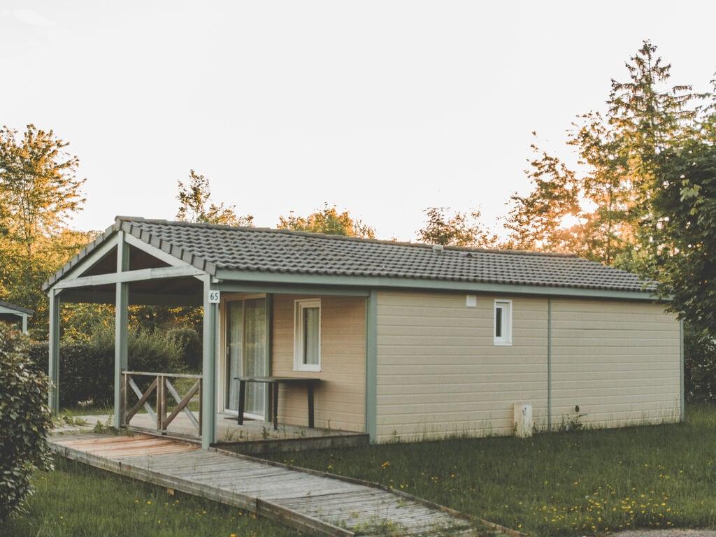 Ferienhaus Holz-Chalet mit überdachter Terrasse, am Rande eines Sees (239317), Beynat, Corrèze, Limousin, Frankreich, Bild 2