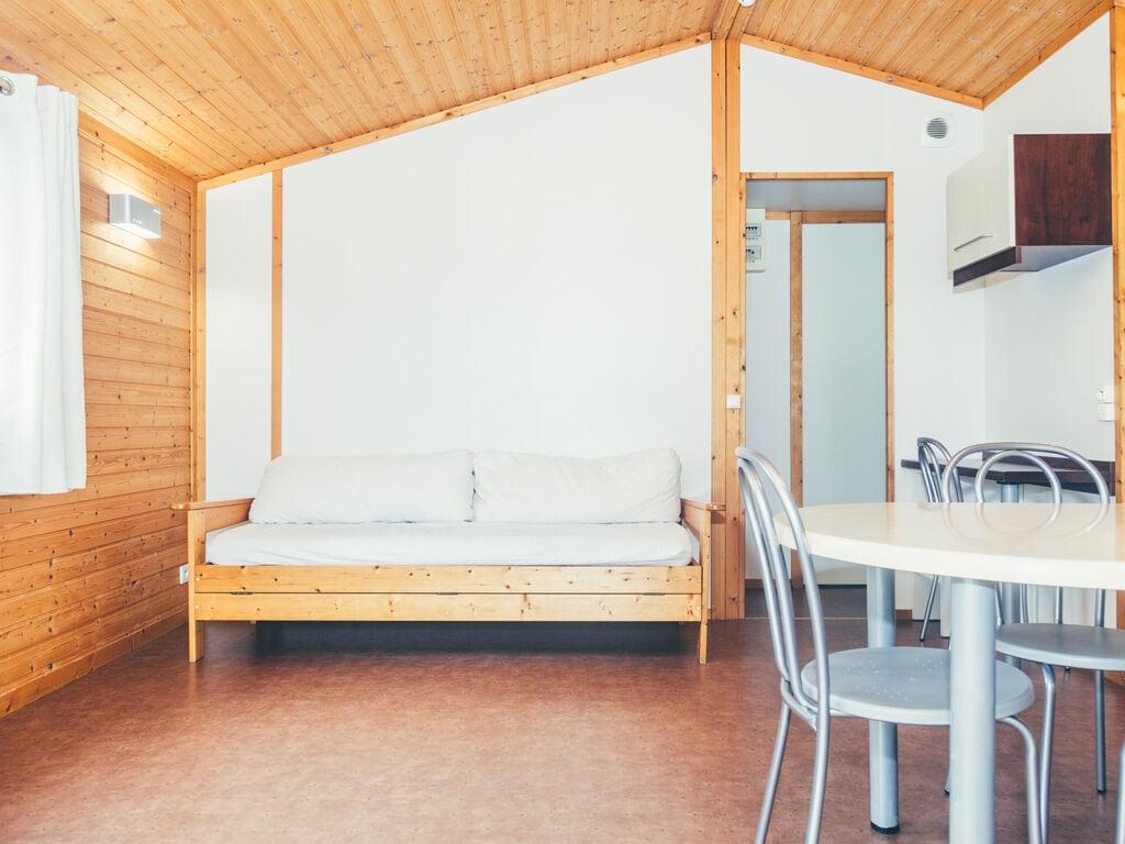 Ferienhaus Holz-Chalet mit überdachter Terrasse, am Rande eines Sees (239317), Beynat, Corrèze, Limousin, Frankreich, Bild 6