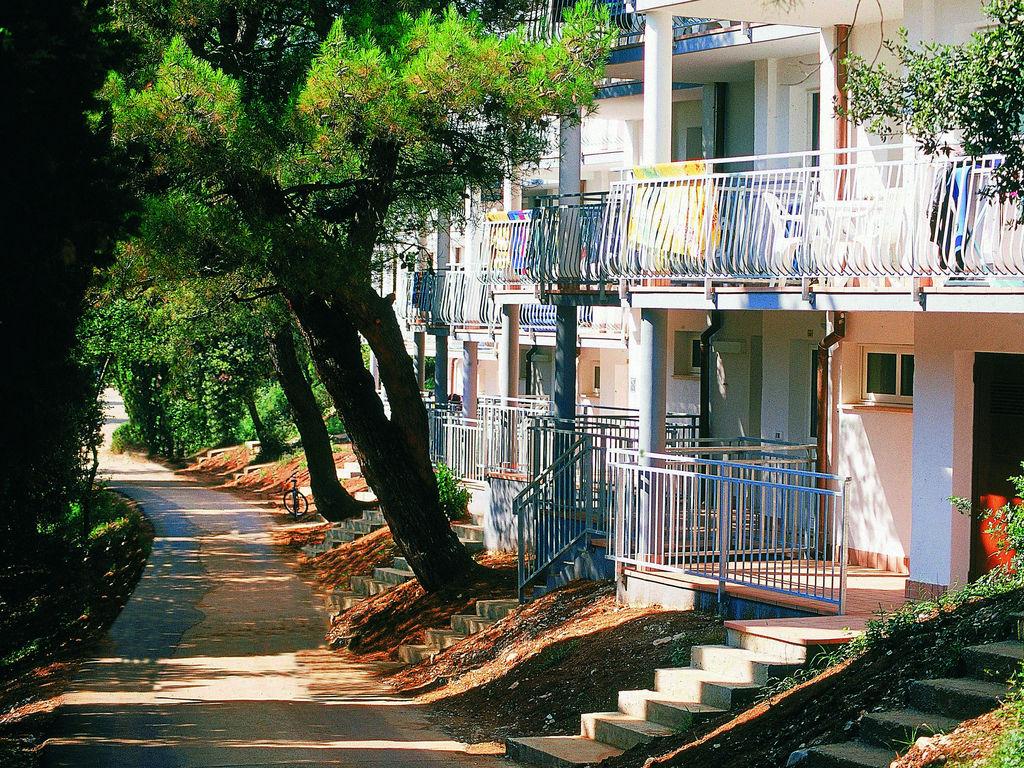 Ferienhaus Gepflegtes Apartment mit Balkon, 4 km vom touristischen Pula (256419), Pula, , Istrien, Kroatien, Bild 3