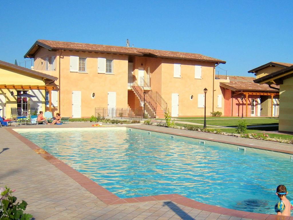 Ferienhaus Komfortables Ferienhaus in Manerba del Garda mit Pool (244573), Nuvolento, Brescia, Lombardei, Italien, Bild 8