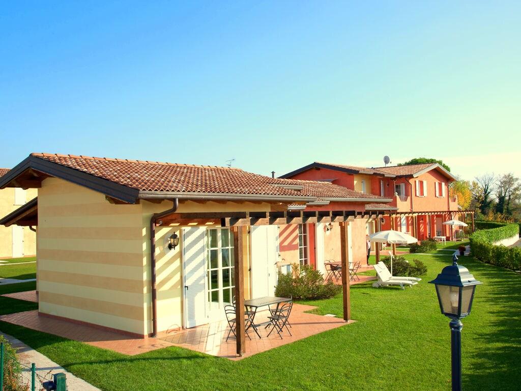 Ferienhaus Komfortables Ferienhaus in Manerba del Garda mit Pool (244573), Nuvolento, Brescia, Lombardei, Italien, Bild 4