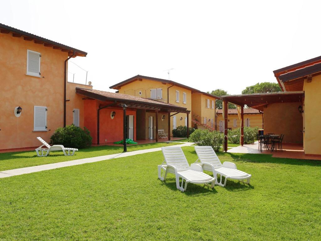 Ferienhaus Komfortables Ferienhaus in Manerba del Garda mit Pool (244573), Nuvolento, Brescia, Lombardei, Italien, Bild 25