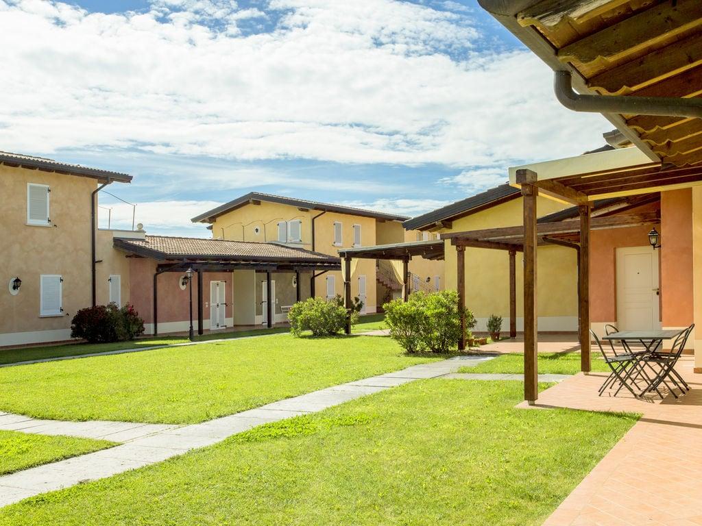 Ferienhaus Komfortables Ferienhaus in Manerba del Garda mit Pool (244573), Nuvolento, Brescia, Lombardei, Italien, Bild 2
