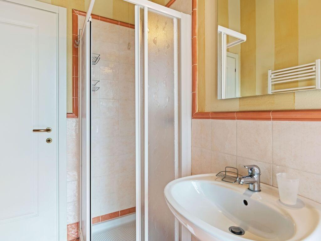 Ferienhaus Komfortables Ferienhaus in Manerba del Garda mit Pool (244573), Nuvolento, Brescia, Lombardei, Italien, Bild 20