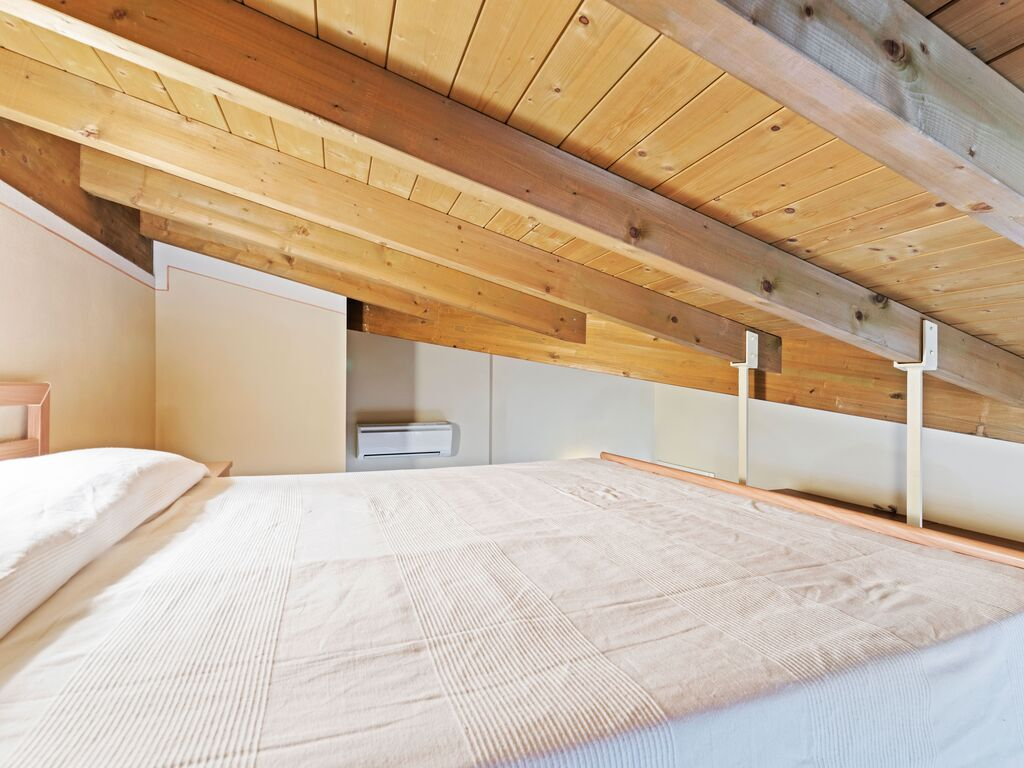 Ferienhaus Komfortables Ferienhaus in Manerba del Garda mit Pool (244573), Nuvolento, Brescia, Lombardei, Italien, Bild 17