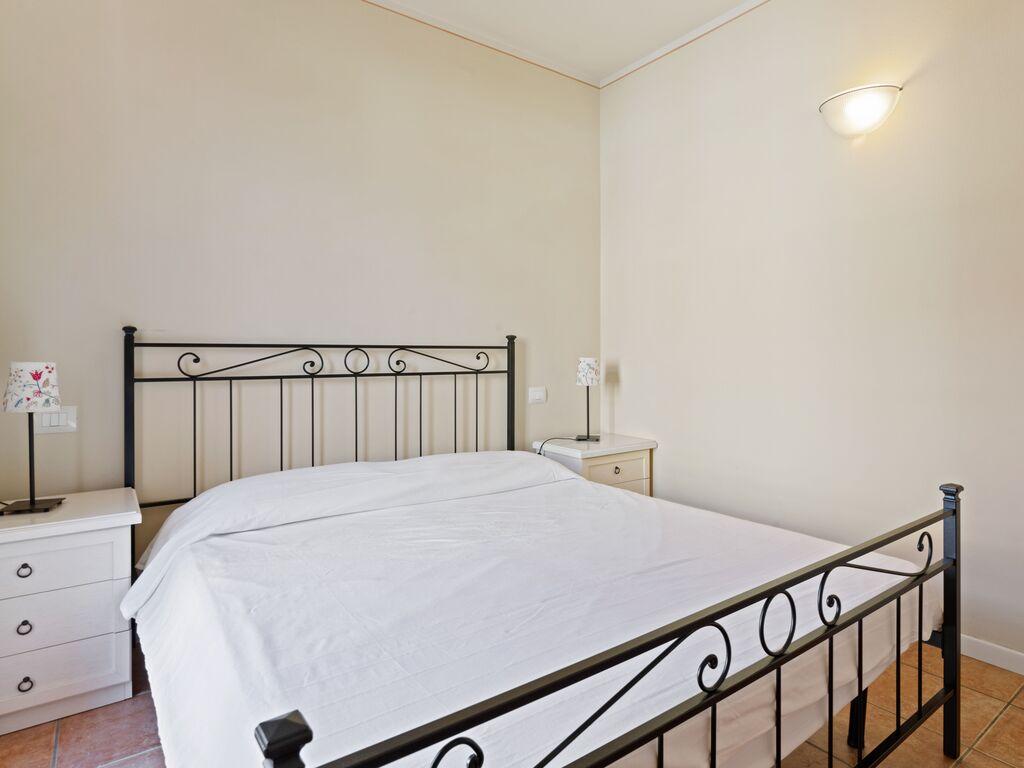Ferienhaus Attraktives Ferienhaus in Manerba del Garda mit Pool (244574), Nuvolento, Brescia, Lombardei, Italien, Bild 19