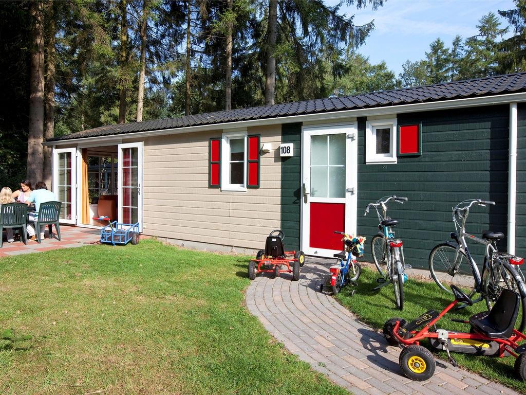 Ferienhaus Gemütl. Chalet mit Kombi-Mikrowelle, neben Naturschutzgebiet (257033), Borger, , Drenthe, Niederlande, Bild 2