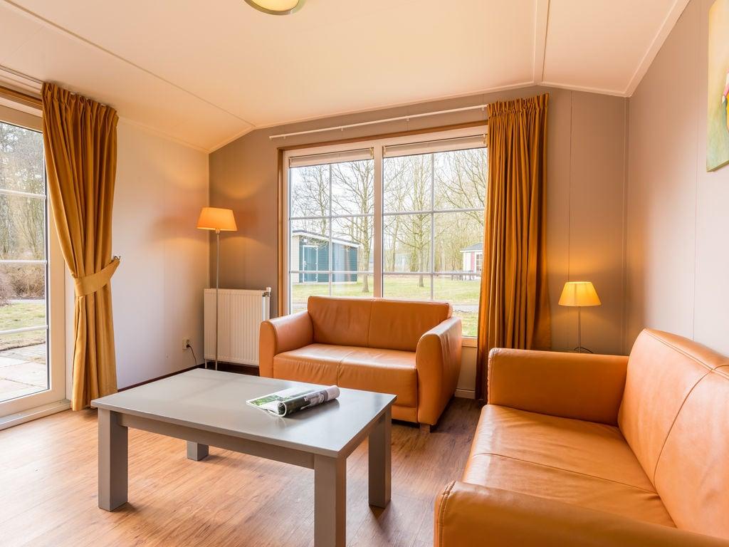 Ferienhaus Gemütl. Chalet mit Kombi-Mikrowelle, neben Naturschutzgebiet (257033), Borger, , Drenthe, Niederlande, Bild 3