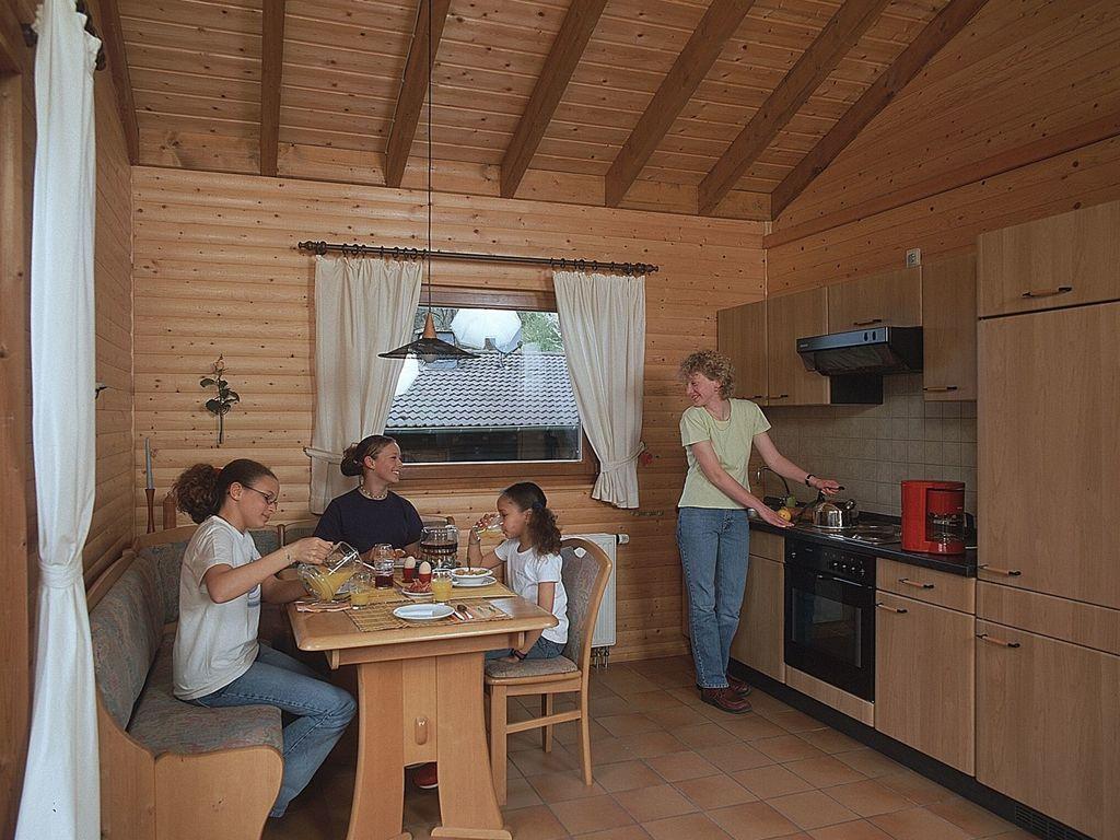 Ferienwohnung Gepflegt eingerichtete Ferienwohnung in Waldnähe (258672), Schönecken, Südeifel, Rheinland-Pfalz, Deutschland, Bild 4