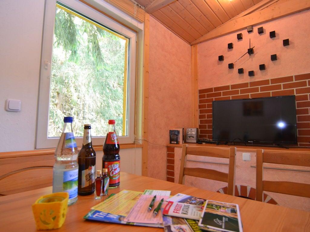 Ferienhaus Schönes Ferienhaus in Friedrichroda inmitten von Wäldern (296825), Friedrichroda, Thüringer Wald, Thüringen, Deutschland, Bild 2