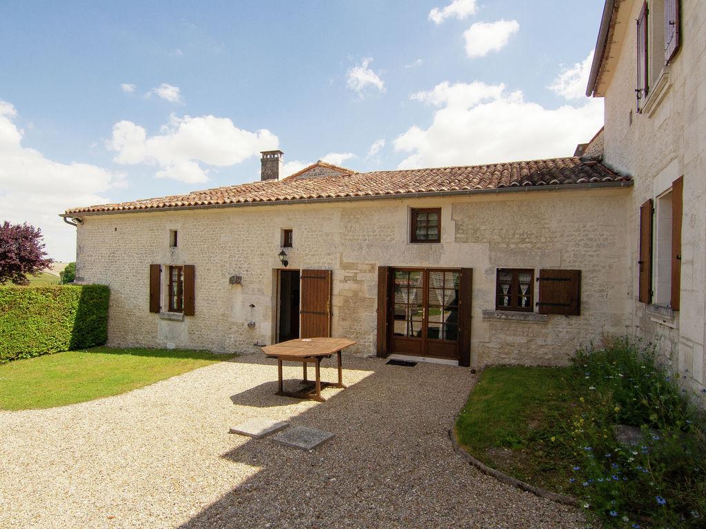 Ferienwohnung Historisches Appartement in Saint-Preuil mit beheiztem Pool (297482), Segonzac, Charente, Poitou-Charentes, Frankreich, Bild 4