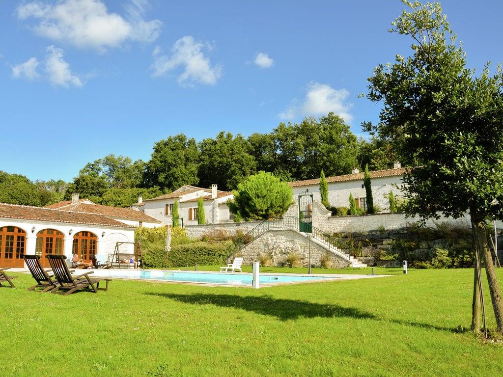 Ferienwohnung Historisches Appartement in Saint-Preuil mit beheiztem Pool (297482), Segonzac, Charente, Poitou-Charentes, Frankreich, Bild 3