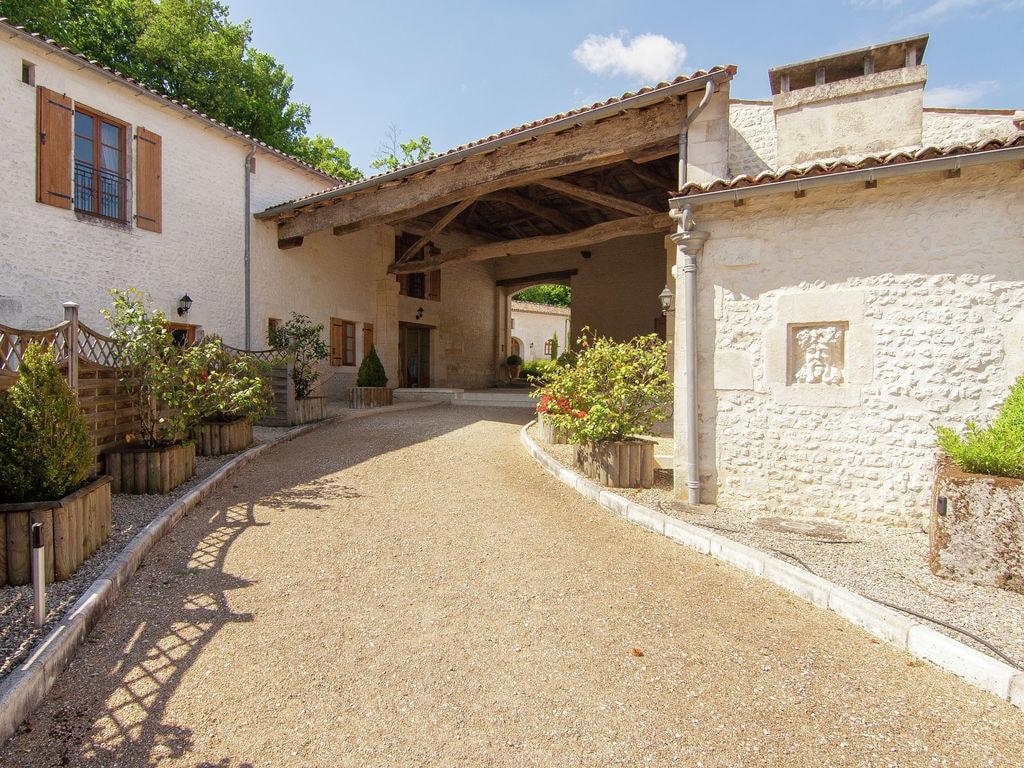 Ferienwohnung Luxusvilla in Saint-Preuil mit Swimmingpool (297484), Segonzac, Charente, Poitou-Charentes, Frankreich, Bild 11